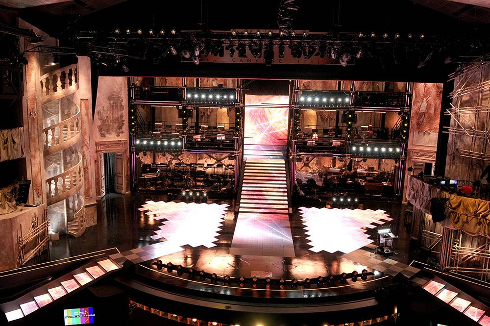 sanremo 2014-scenografia-teatro ariston